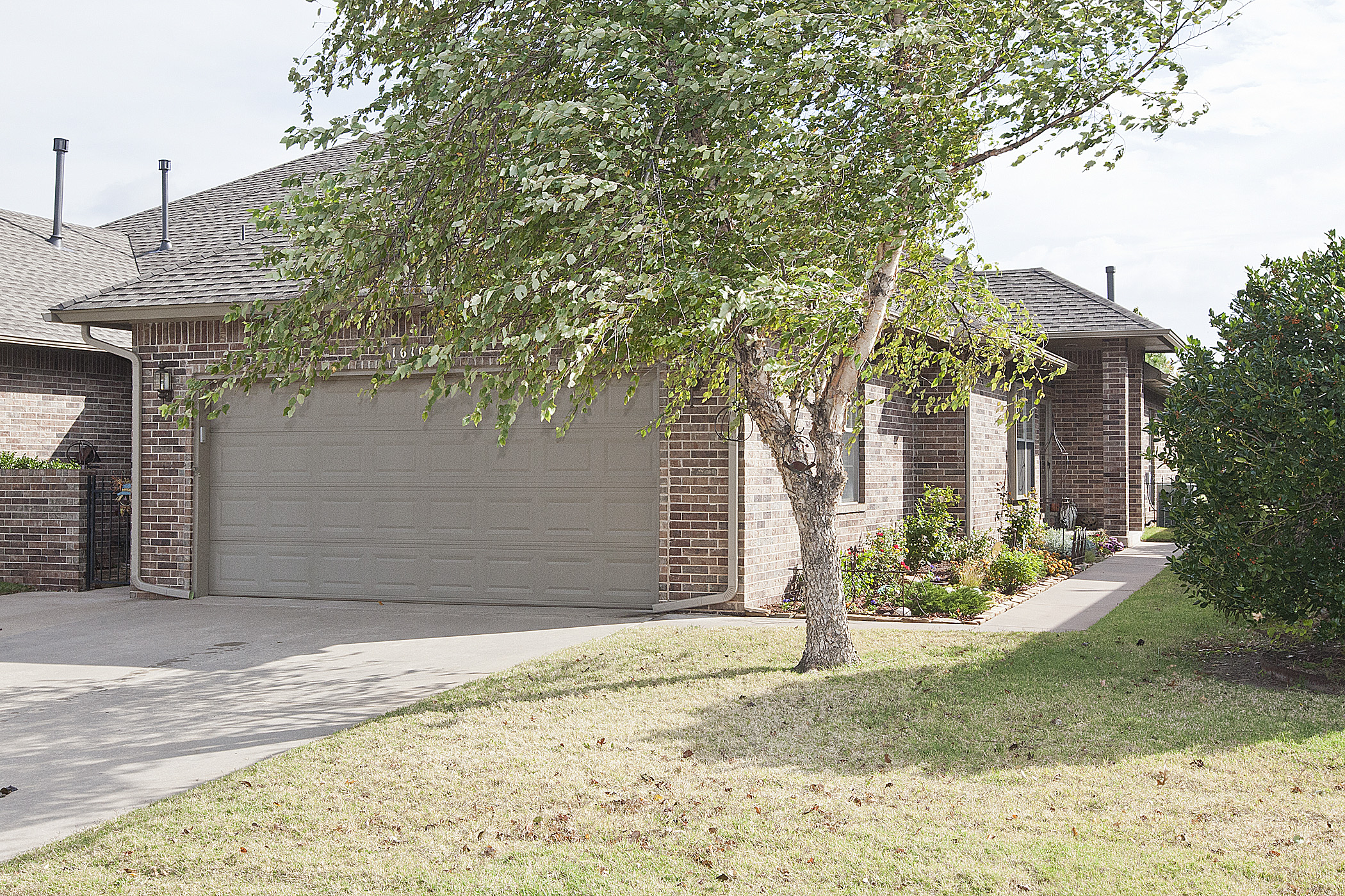 New listings take a look at these awesome homes the Garden homes edmond ok
