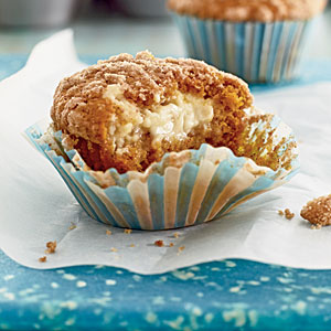 pumpkin-cream-cheese-streusel-muffins-cl-x