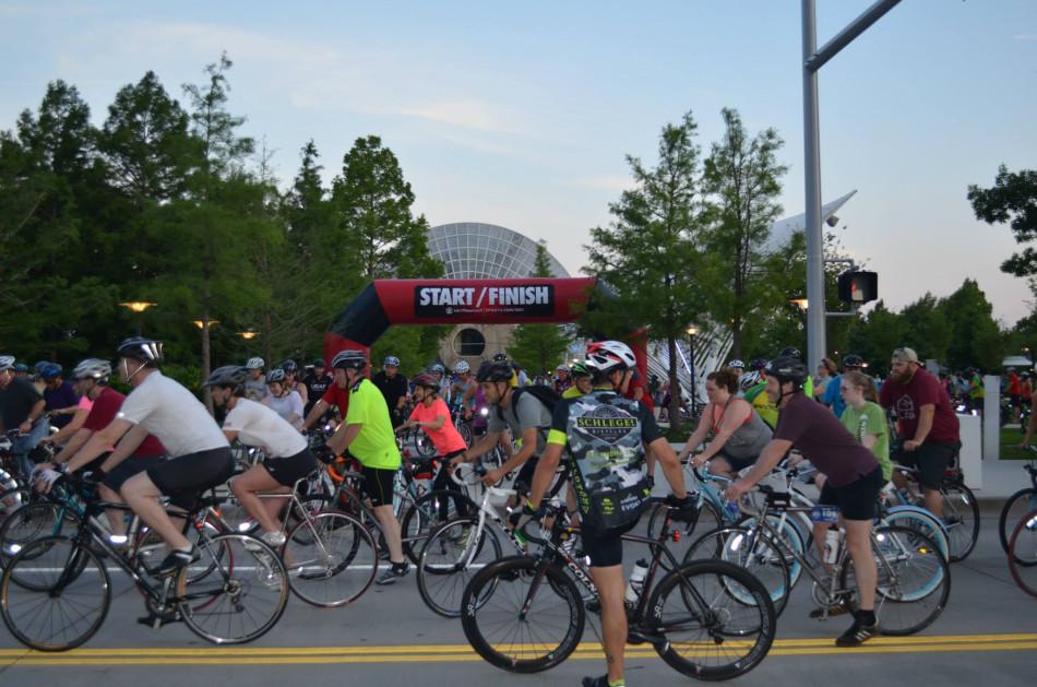 8-29-Full-Moon-Bike-Ride-and-Sunset-Run